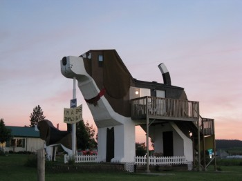 Dog-Bark-Inn-hotel-original-con-forma-de-perro